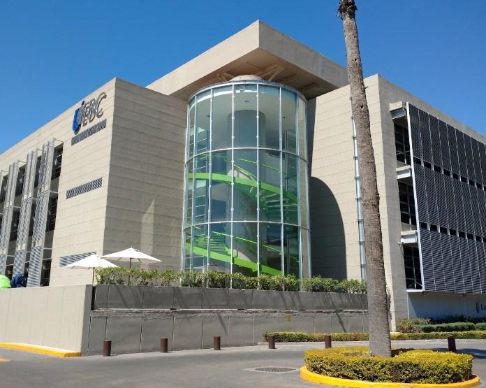 Universidad escuela bancaria y comercial ebc en for Universidades sabatinas en queretaro